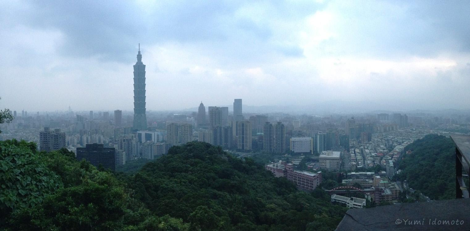 台北101と台北市内‐象山からの眺め-朝日の出見えず