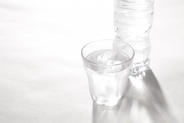 いますぐできる簡単な頭痛解消法 - 水分補給