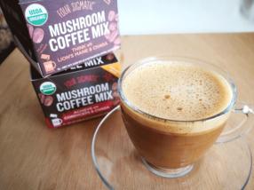海外で話題のマッシュルームコーヒー(mushroom coffee)を試してみた。キノコってすごい!!