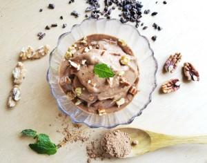 バナナを使った砂糖不使用のチョコレートアイスクリーム