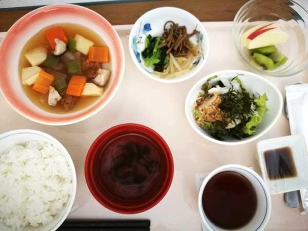 病院食・昼食-産後の便秘はつらいよ…便秘予防のため気を付けたこと対処法まとめ-yumiid.com