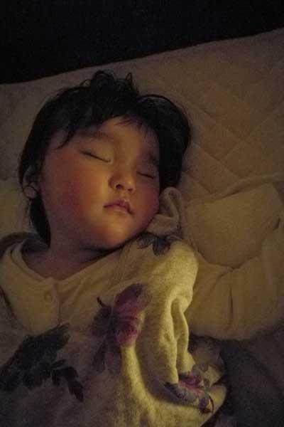 よく寝るモーちゃん-夜通し寝るようになったよ!赤ちゃんの睡眠リズムづけ経過報告~生後10ヶ月編-yumiid.com