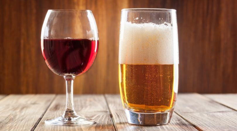 アルコール 最強にニキビができやすい食べ物。この3つを食べすぎていないか要チェック!