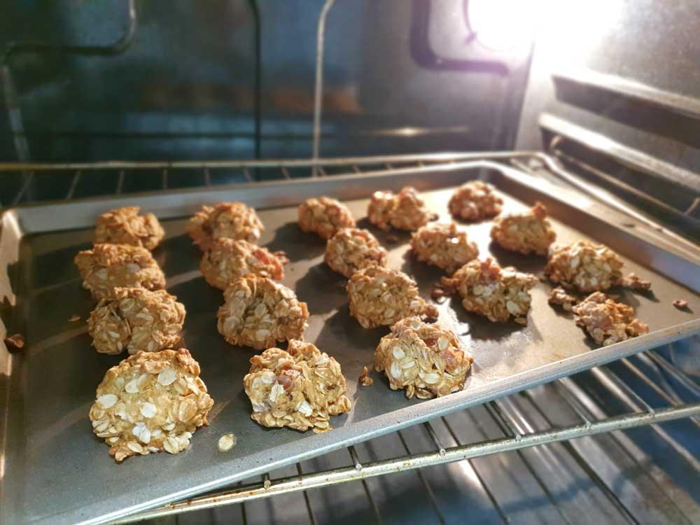 こんがり サクサク感がたまらないオートミールクッキーの作り方!グルテンフリー&白砂糖フリー