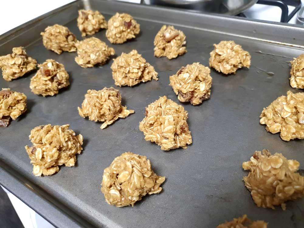 丸める サクサク感がたまらないオートミールクッキーの作り方!グルテンフリー&白砂糖フリー