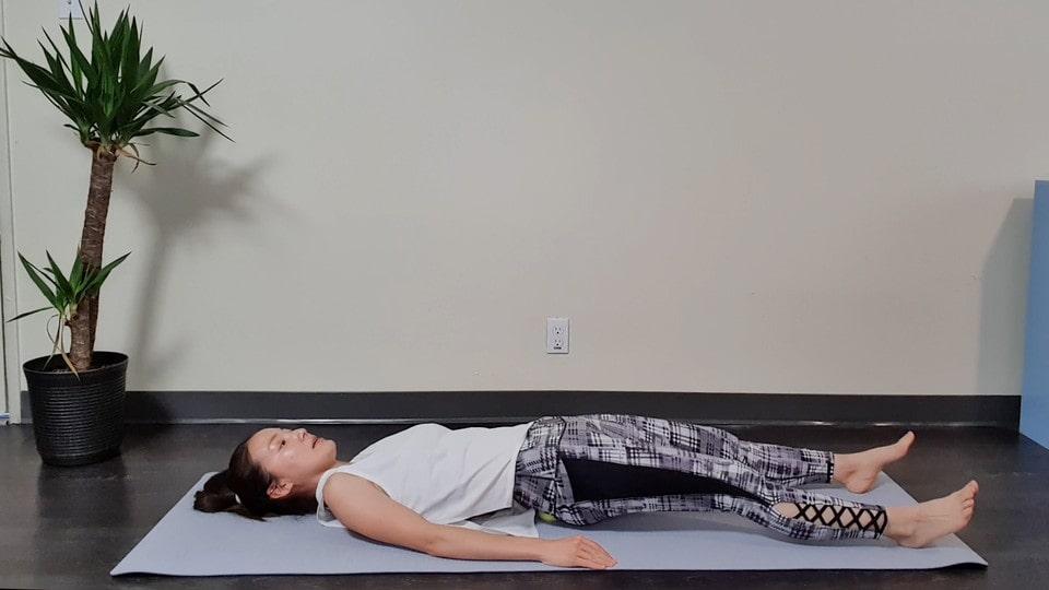 仙腸関節ほぐし②-腰痛対策に!テニスボールで寝るだけ仙腸関節ほぐし