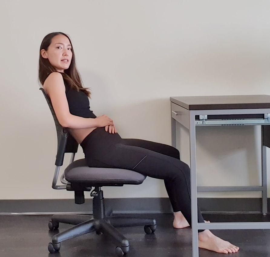 仙骨座り 腰痛の原因を作る体の使い方。