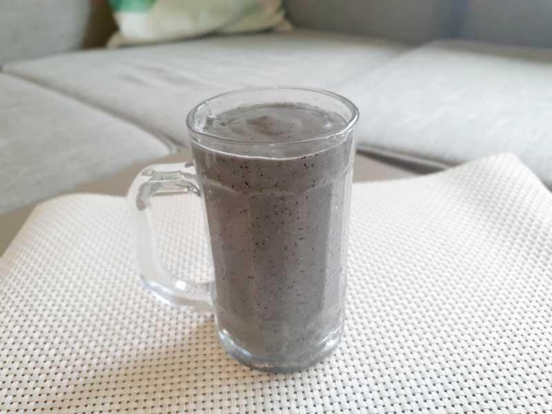 グリーンではなく黒くなってしまう:朝食に!脳と腸に良いお腹いっぱいパワーグリーンスムージーのレシピ